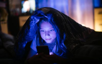 Research indicates how artificial screen light can disrupt sleeping patterns in children